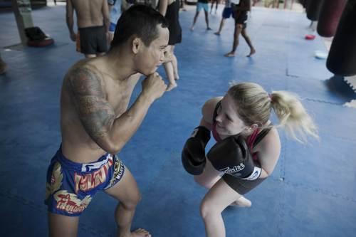 học muay thái ở tphcm,học võ ở tp hcm, học võ tự vệ cho nữ, lớp học võ cho người lớn tuổi, học kick boxing ở tphcm, địa điểm học kick boxing ở tphcm, thuốc võ bình định